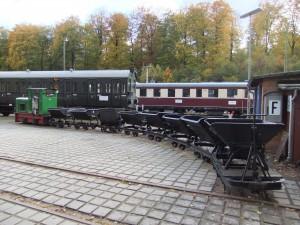 Feldbahnzug, V14 mit Kipploren