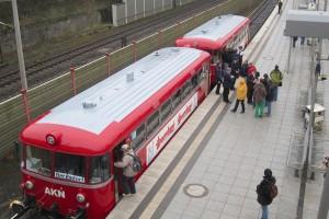 Uerdinger Schienenbus der AKN im Bahnhof Aumühle
