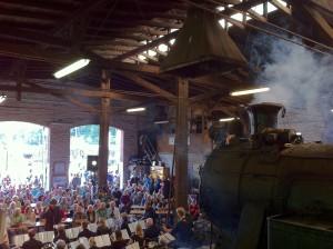 Orchester im Lokschuppen