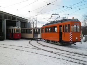 Der Kieler Kurvenschmierwagen 354 und Beiwagen 80 im Schnee