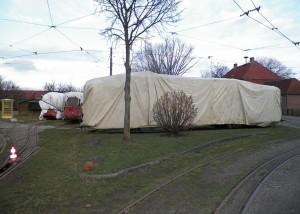 Kieler Straßenbahnwagen 241 verpackt für den Winter