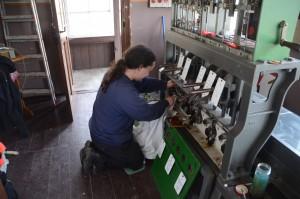 Reinigung und ölen der Blocksperren im Blockuntersatz