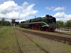 Schnellzugdampflok 18 201 am 17. Mai 2015 in Schwerin