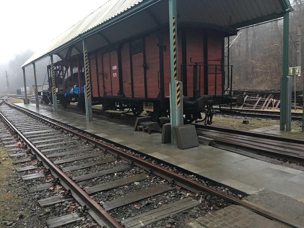 Ein Teil des neuen Bahnsteigs zwischen den Gleisen 10 und 11