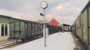 Unser Museumszug wird hoffentlich bald wie hier angezeigt nach Kiel fahren.,
